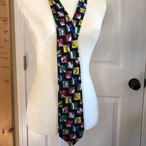 Looney Tunes Mania 100% silk Bugs Bunny Tie